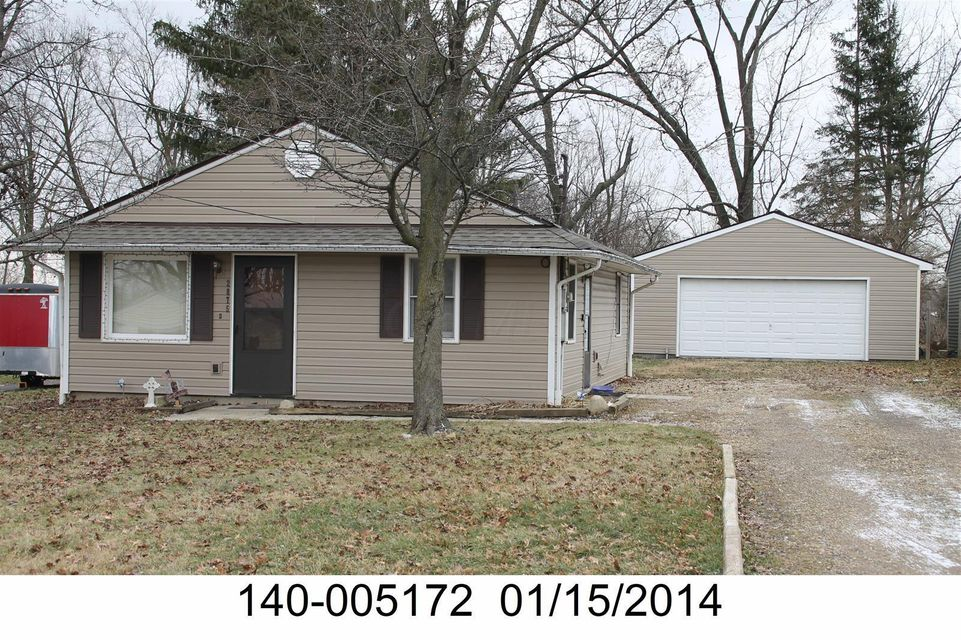 Photo of home for sale at 2875 Lowell Drive, Columbus OH
