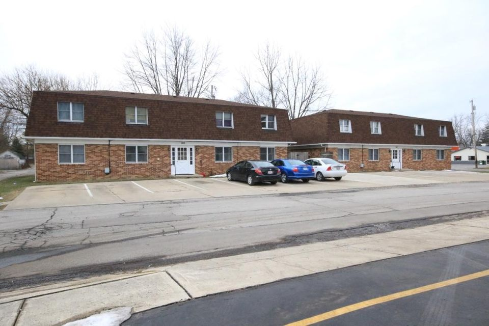 Photo of home for sale at 50 Poplar Street, Marysville OH