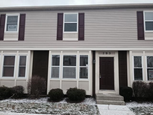 Photo of home for sale at 795 Ficus Drive, Columbus OH