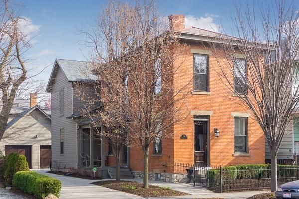 Photo of home for sale at 118 Thurman Avenue, Columbus OH