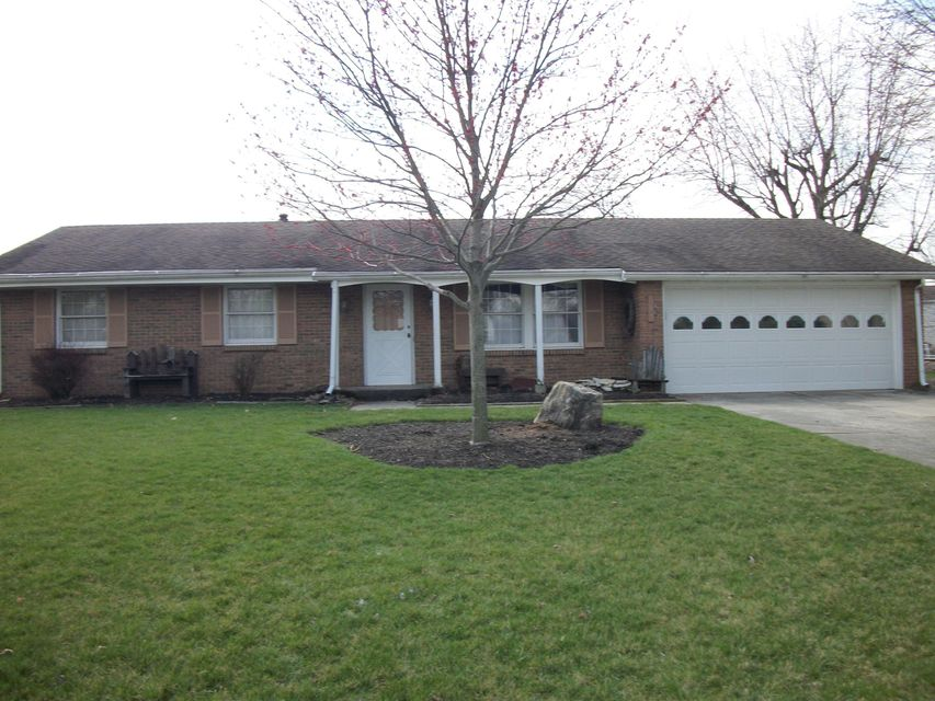 Photo of home for sale at 1015 Amboise Drive, Marion OH