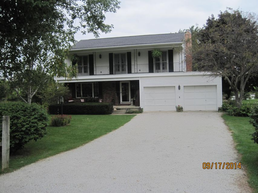 Photo of home for sale at 111 HOLLY Drive SW, Washington Court House OH