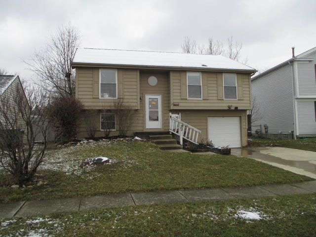 Photo of home for sale at 6958 Finchley Drive, Reynoldsburg OH