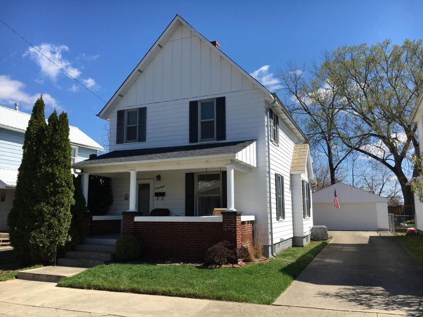 Photo of home for sale at 48 Williams Street N, Newark OH