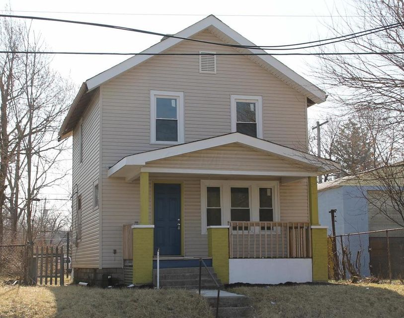 Photo of home for sale at 2204 Cleveland Avenue, Columbus OH