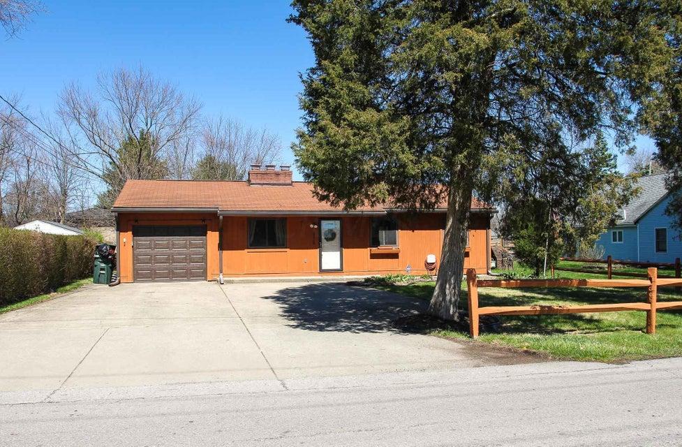 Photo of home for sale at 3220 Deshler Avenue E, Columbus OH