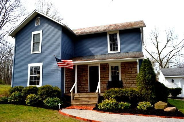 Photo of home for sale at 3523 Briarcliff Road, Nashport OH