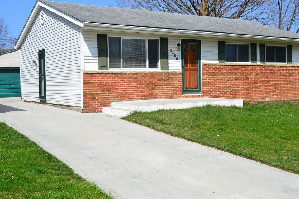 Photo of home for sale at 3366 Valley Park Avenue, Columbus OH
