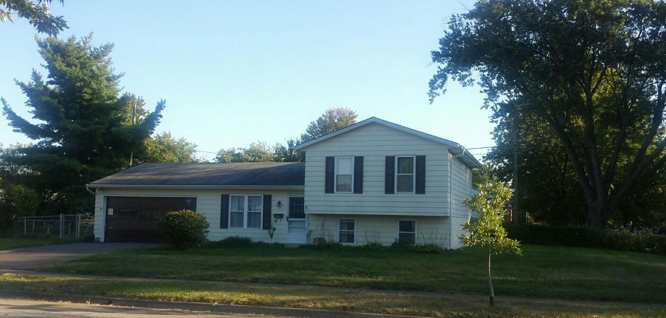 Photo of home for sale at 1401 Alvina Drive, Columbus OH