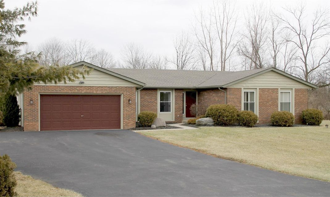 Photo of home for sale at 5374 OLD WILCOX Road, Dublin OH