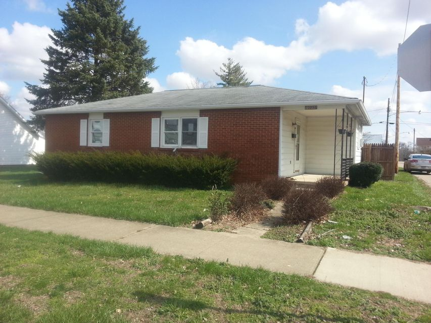 Photo of home for sale at 10898 Main Street, Clarksburg OH