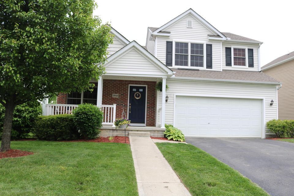 Photo of home for sale at 5910 Wyndale Drive, Westerville OH