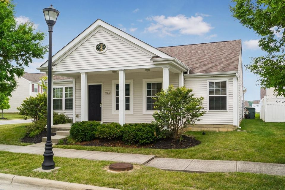 Photo of home for sale at 1063 Finny Avenue, Blacklick OH