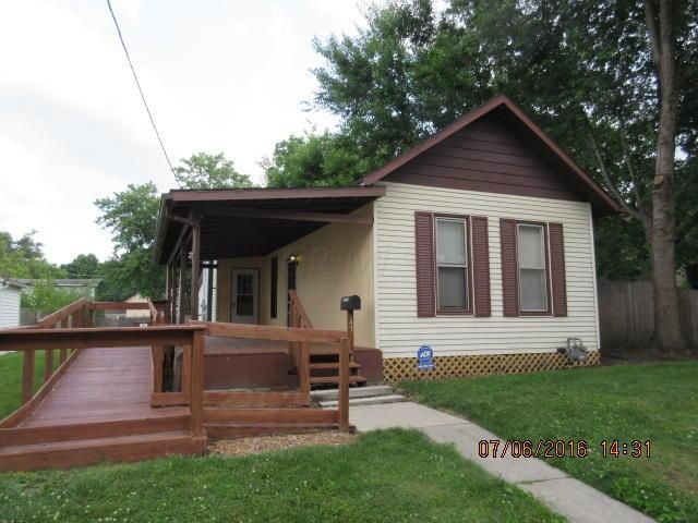 Photo of home for sale at 147 Jefferson Street, Newark OH