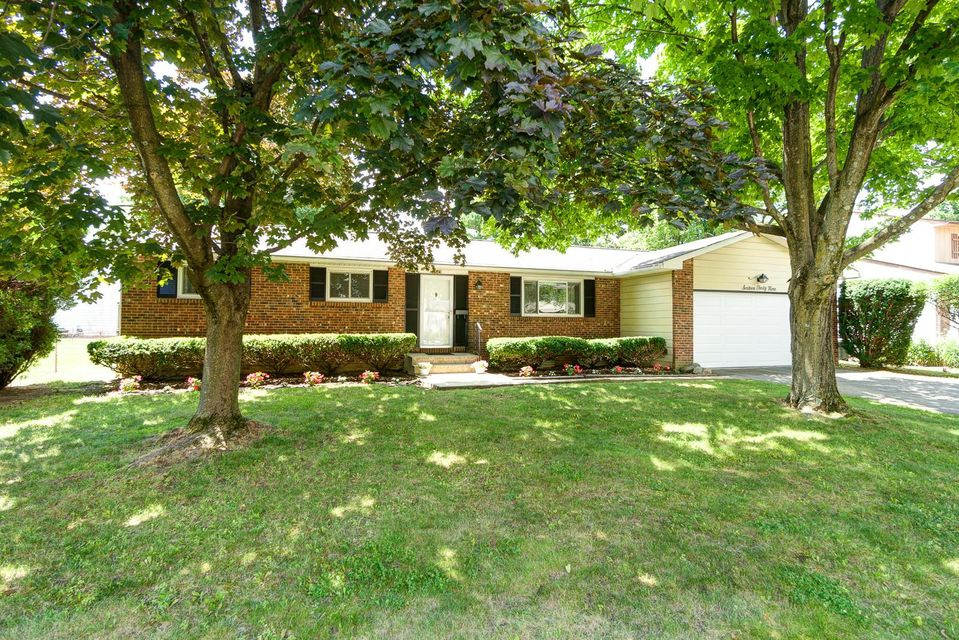 Photo of home for sale at 1649 Moreland Drive, Columbus OH