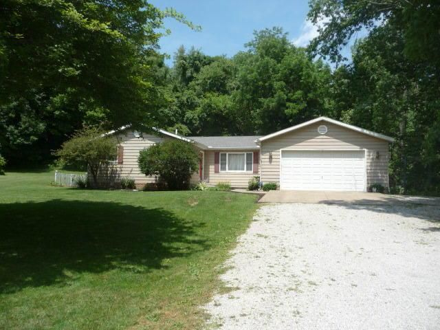 Photo of home for sale at 887 Blacksnake Road, Utica OH