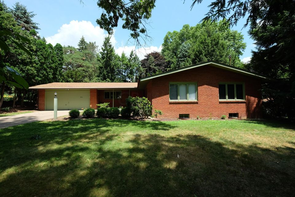 Photo of home for sale at 904 Kieffer Street, Wooster OH