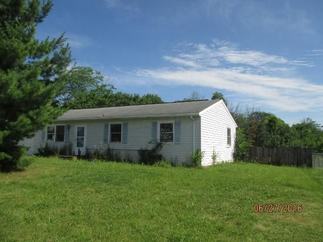 Photo of home for sale at 14200 Pleasant Ridge Drive, Marysville OH
