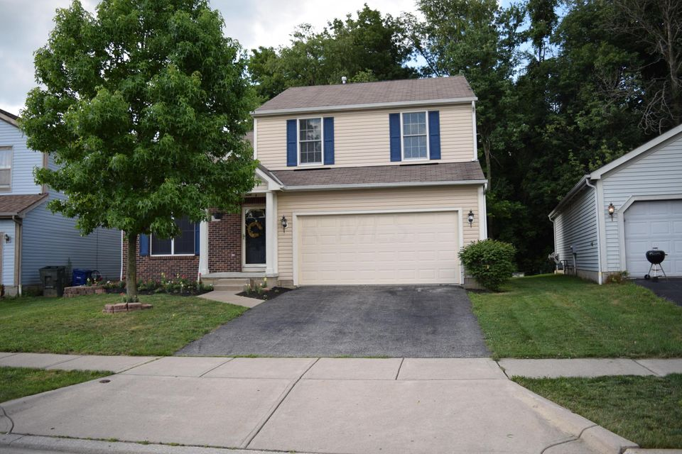 Photo of home for sale at 5126 Algean Drive, Canal Winchester OH