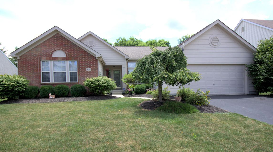 Photo of home for sale at 6135 JONESWOOD Drive, Hilliard OH