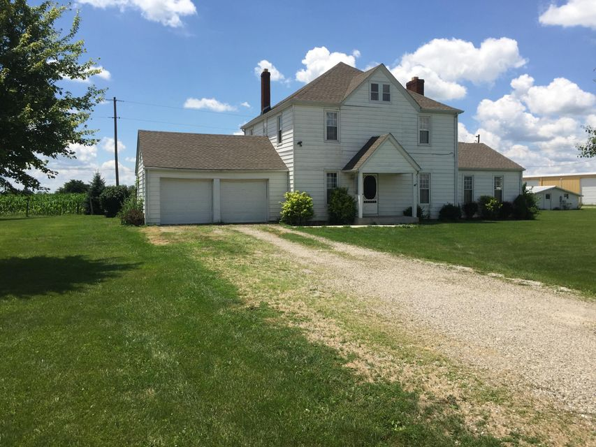 Photo of home for sale at 15509 Drummond Road, Orient OH