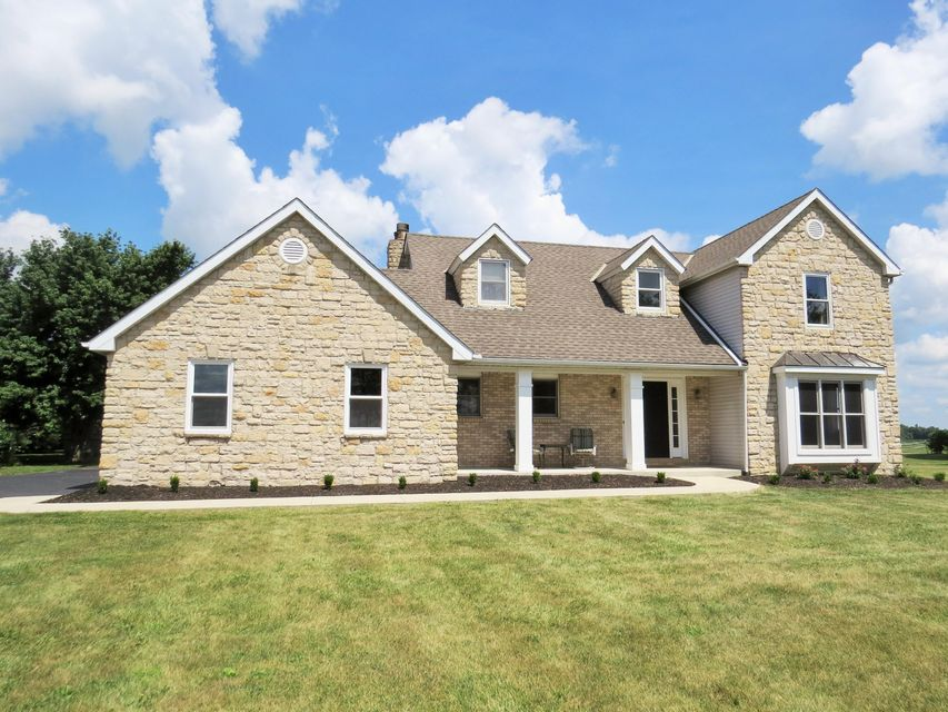 Photo of home for sale at 6410 King Pike, West Jefferson OH