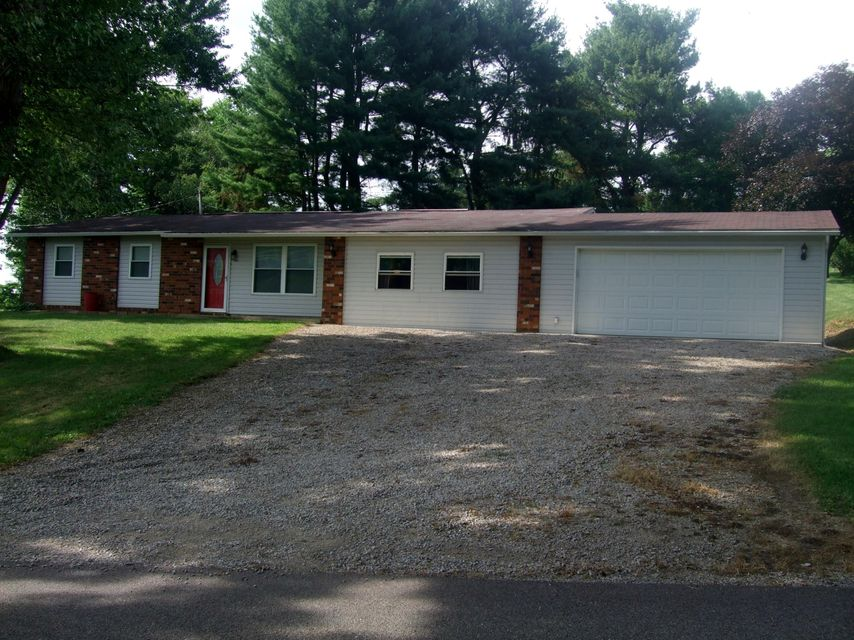 Photo of home for sale at 19 Valley View Drive SE, Newark OH