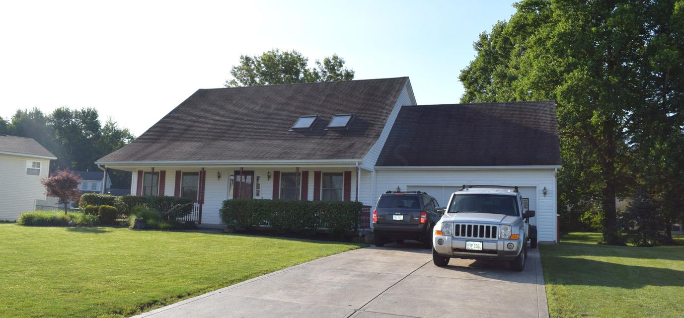 Photo of home for sale at 79 Greenstick Way, Johnstown OH