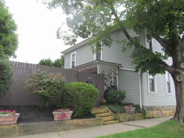 Photo of home for sale at 122 Starrit Street, Lancaster OH