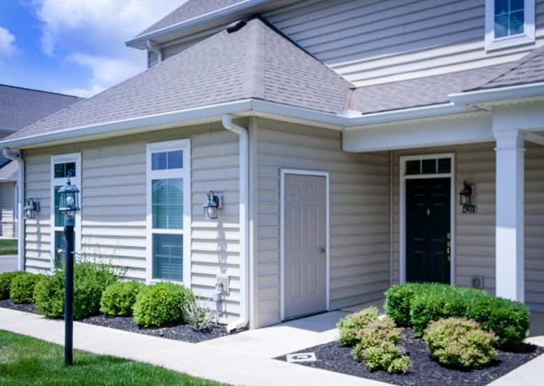 Photo of home for sale at 4203 BRADHURST Drive, Dublin OH
