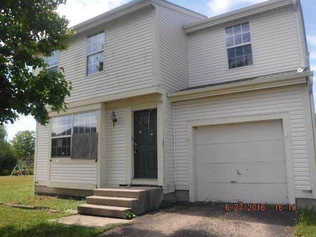 Photo of home for sale at 6060 Sweetleaf Court, Galloway OH