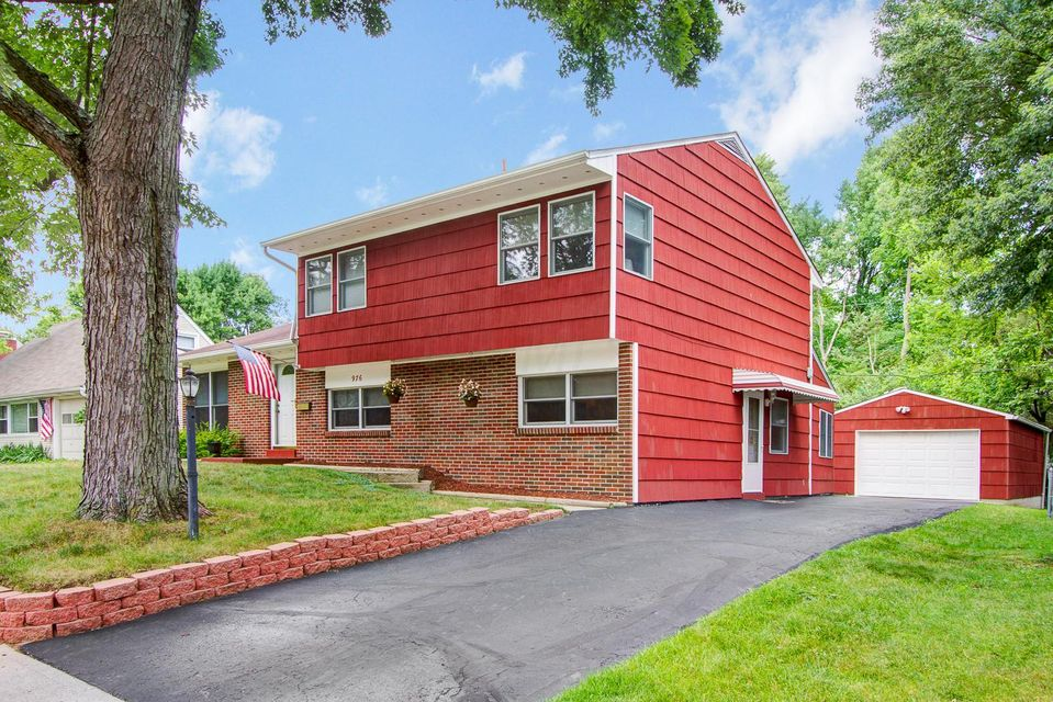 Photo of home for sale at 976 Caniff Road, Columbus OH