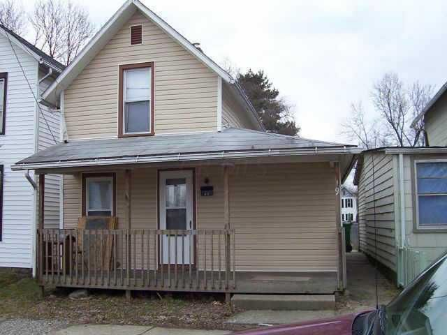 Photo of home for sale at 19 Fleek Avenue, Newark OH
