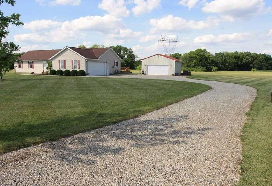 Photo of home for sale at 13046 London Road, Orient OH