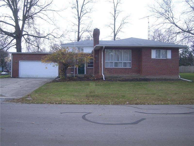 Photo of home for sale at 909 Mcauliffe Place, Marysville OH