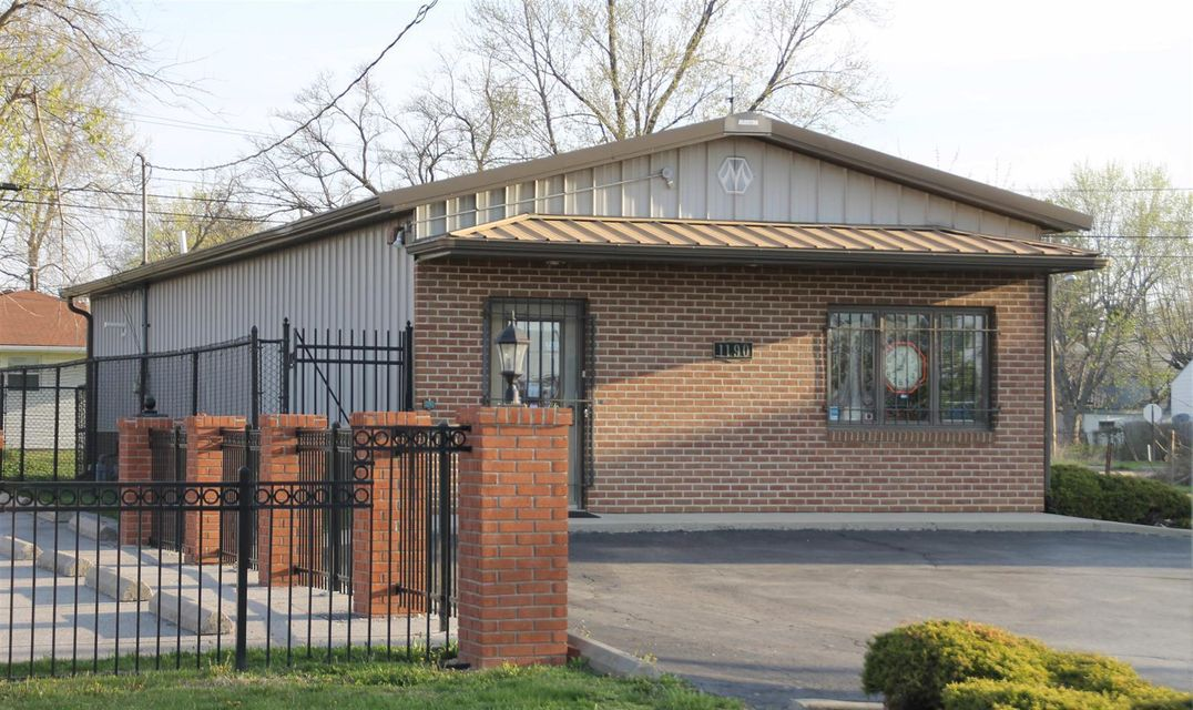 Photo of home for sale at 1190 Mount Vernon Avenue, Columbus OH