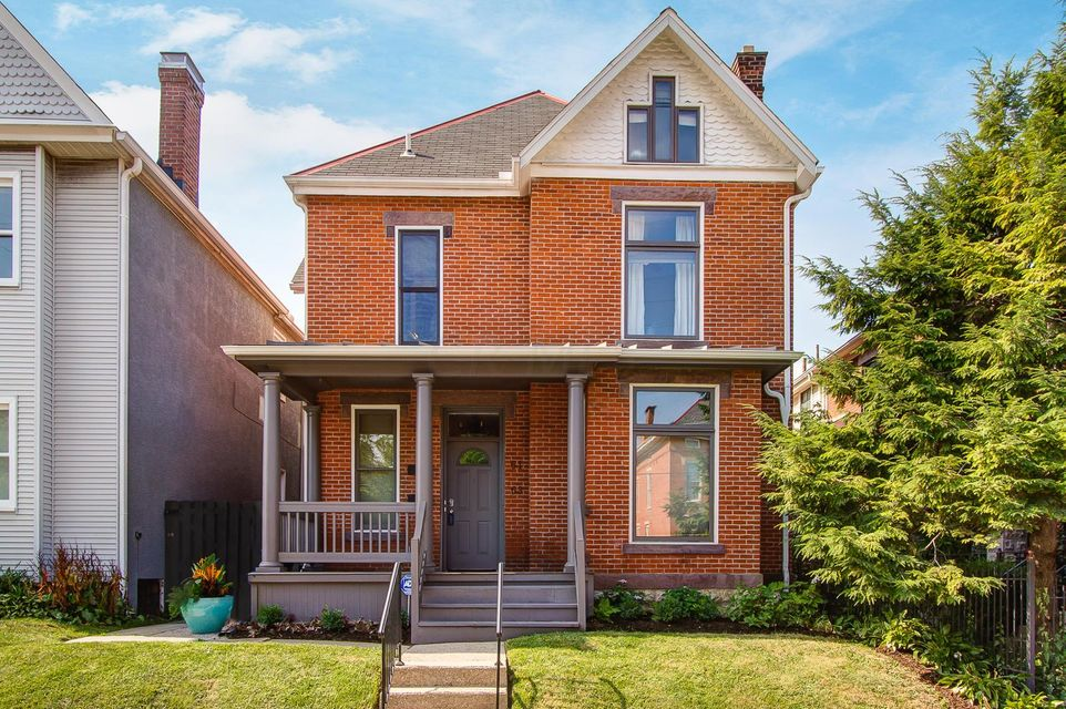 Photo of home for sale at 61 5TH Avenue W, Columbus OH