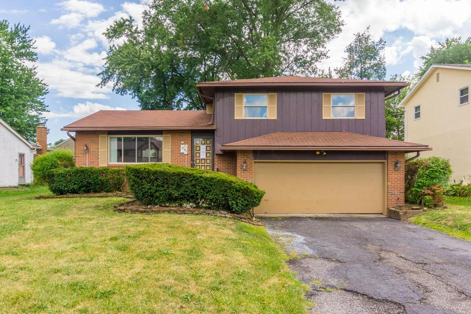 Photo of home for sale at 3163 Blue Ridge Road, Columbus OH