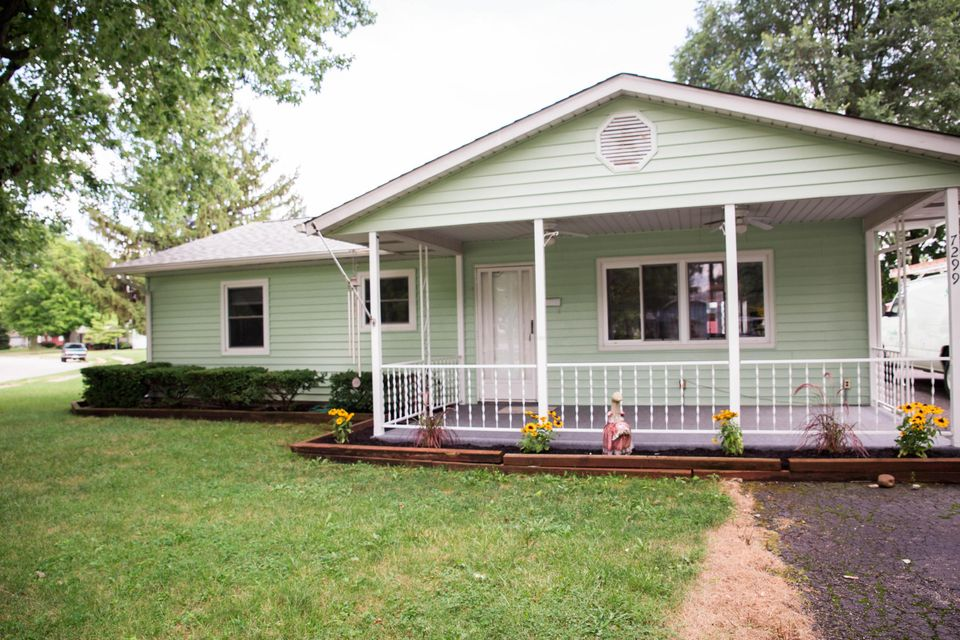 Photo of home for sale at 7299 Wollam Avenue, Reynoldsburg OH