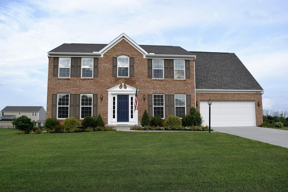 Photo of home for sale at 143 Tassel View Road, Pataskala OH