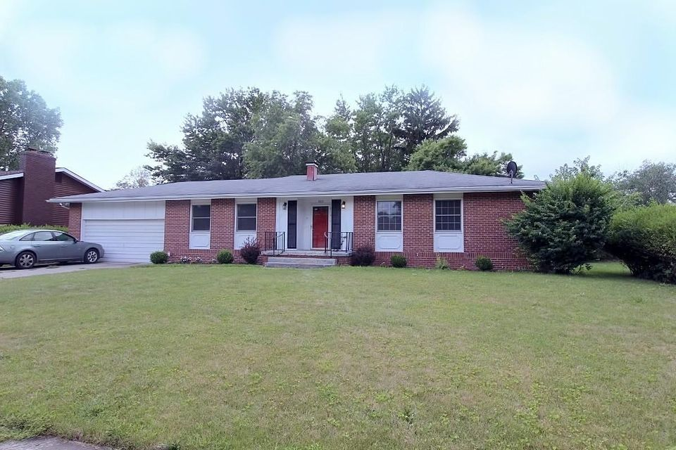 Photo of home for sale at 609 Bordeaux Avenue, Marion OH