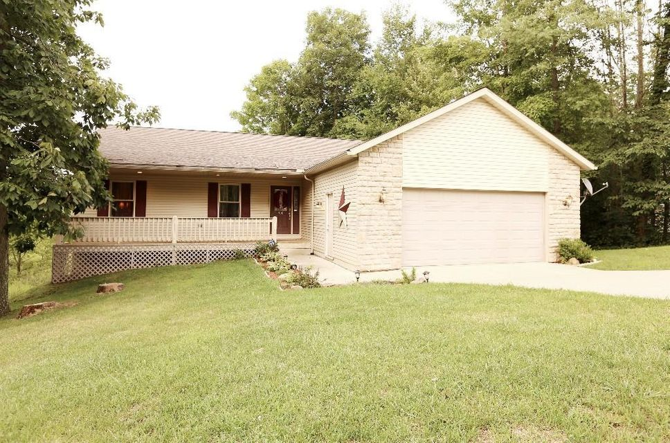 Photo of home for sale at 500 Crestmonte Drive, Howard OH