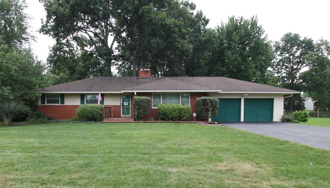 Photo of home for sale at 4620 Johnstown Road E, Columbus OH