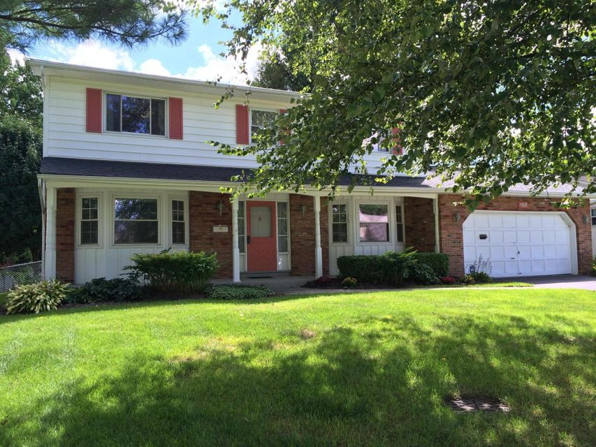 Photo of home for sale at 1037 MEDHURST Road, Columbus OH