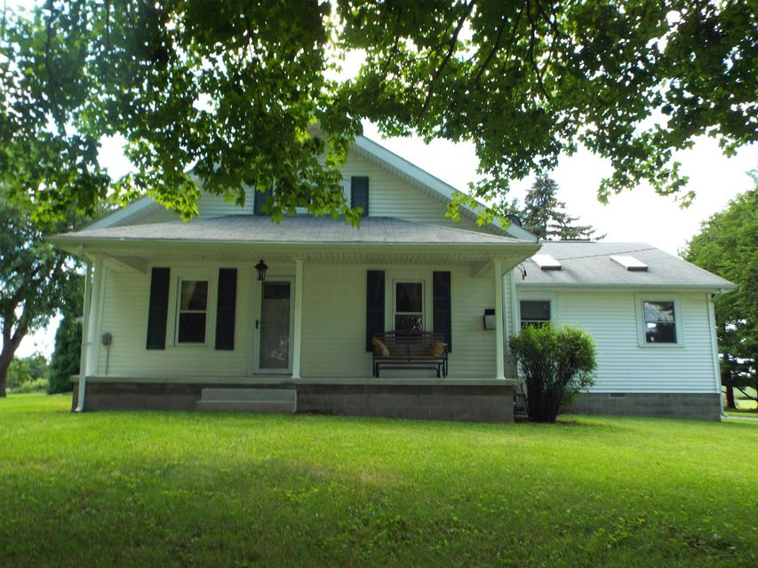 Photo of home for sale at 3529 OLD SPRINGFIELD Road NE, Washington Court House OH
