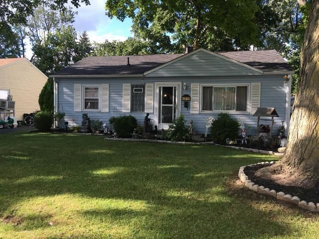 Photo of home for sale at 4490 Saint Rita Lane, Whitehall OH
