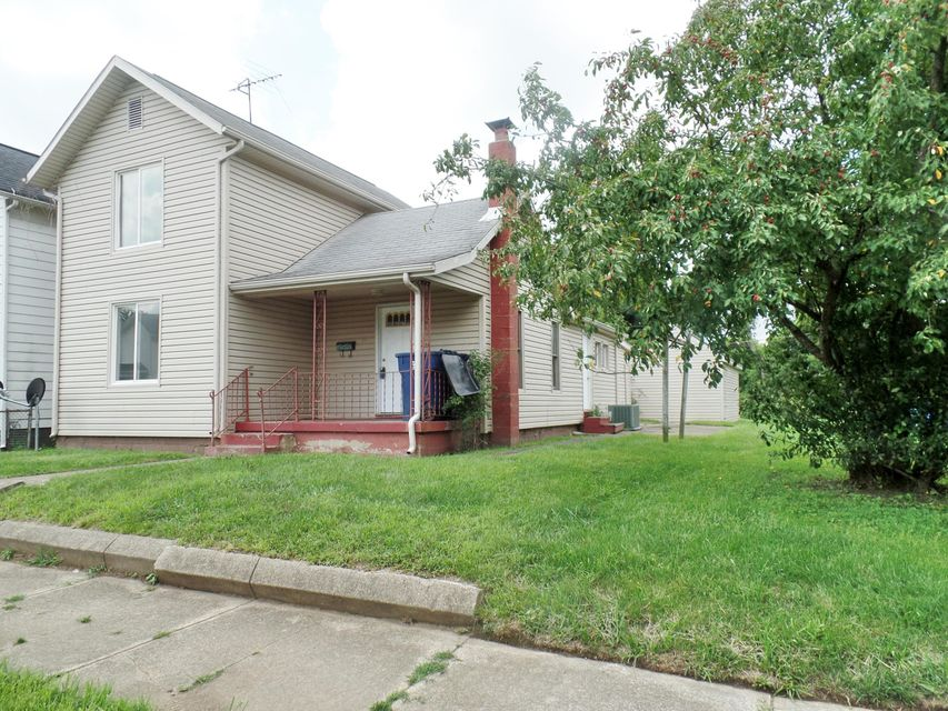 Photo of home for sale at 330 Wehrle Avenue, Newark OH