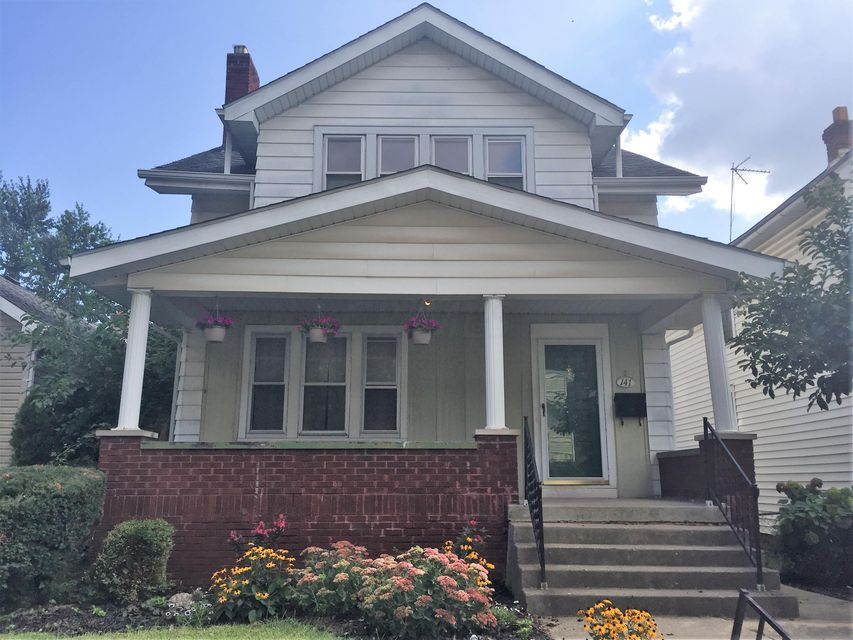 Photo of home for sale at 141 MORRILL Avenue E, Columbus OH