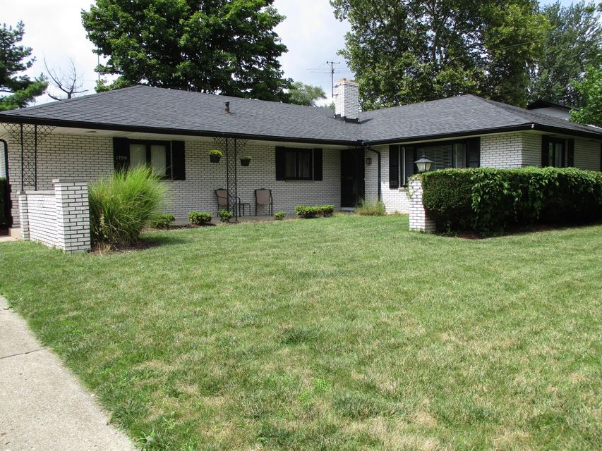 Photo of home for sale at 1799 HALLECK Place, Columbus OH