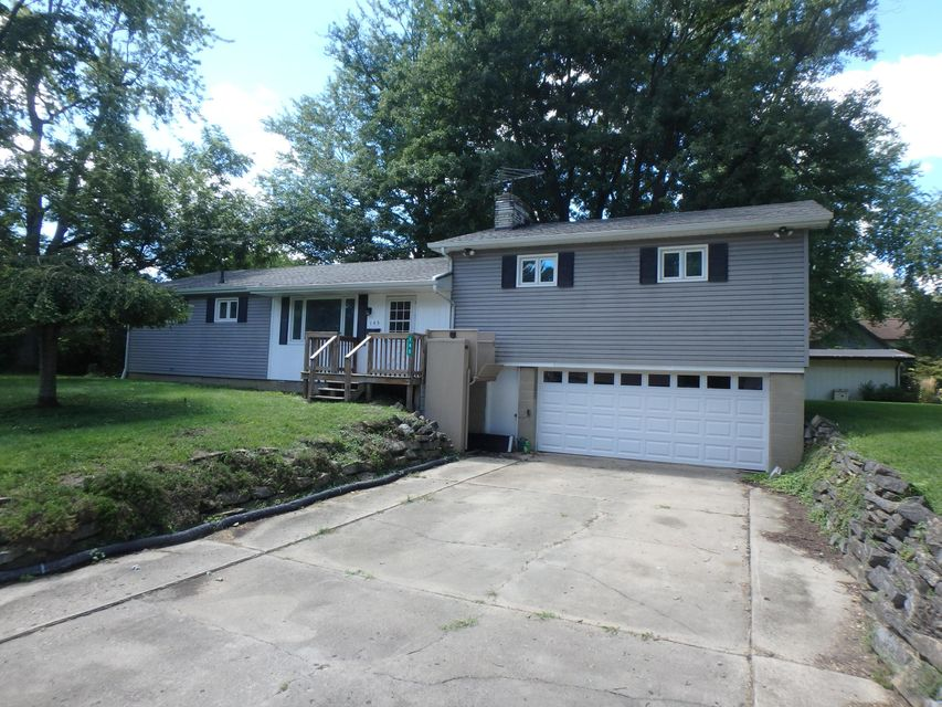 Photo of home for sale at 145 Orchard Lane, Westerville OH
